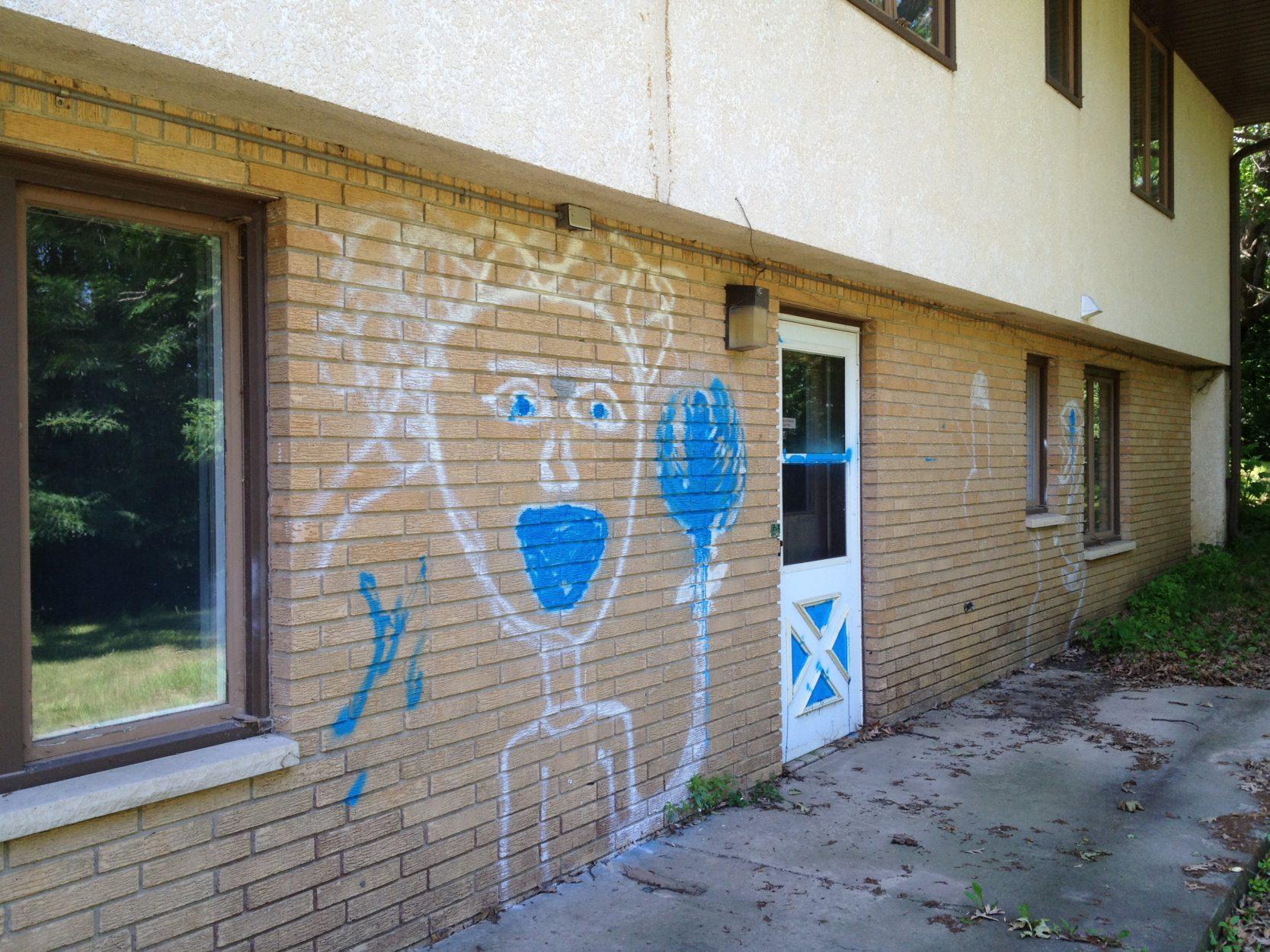 Minneapolis Graffiti Removal System
