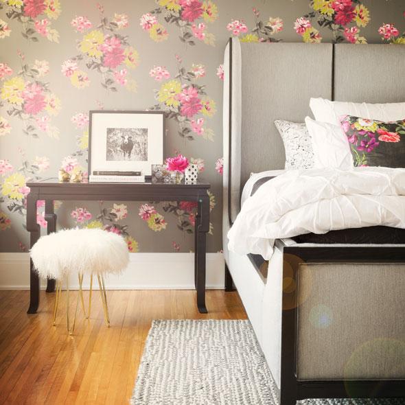 Designer Guild floral wallpaper