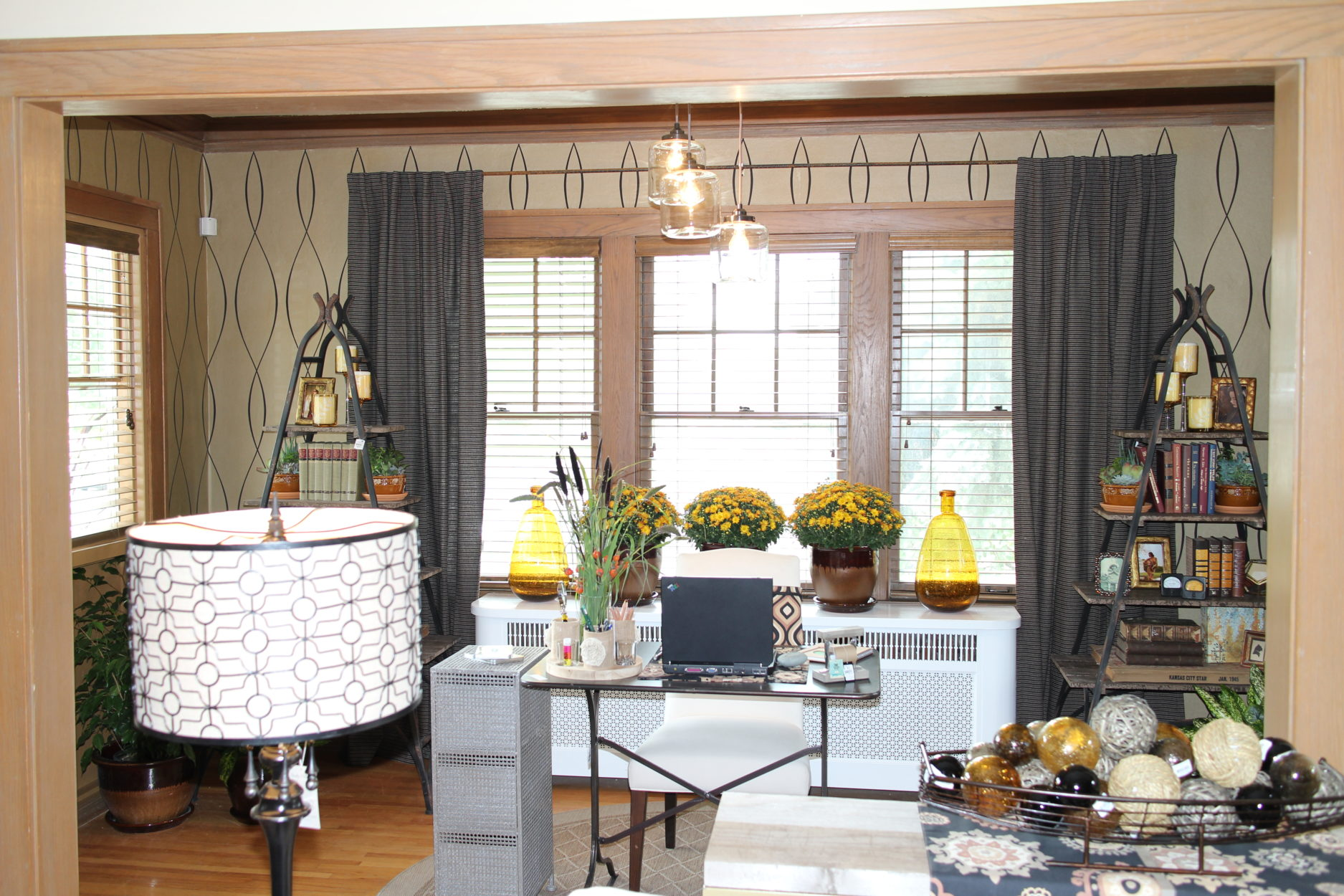 events & seminars Sunroom: Extending off the living room is a calming, inspiring office space featuring warm harvest colors interpreted in a new way.