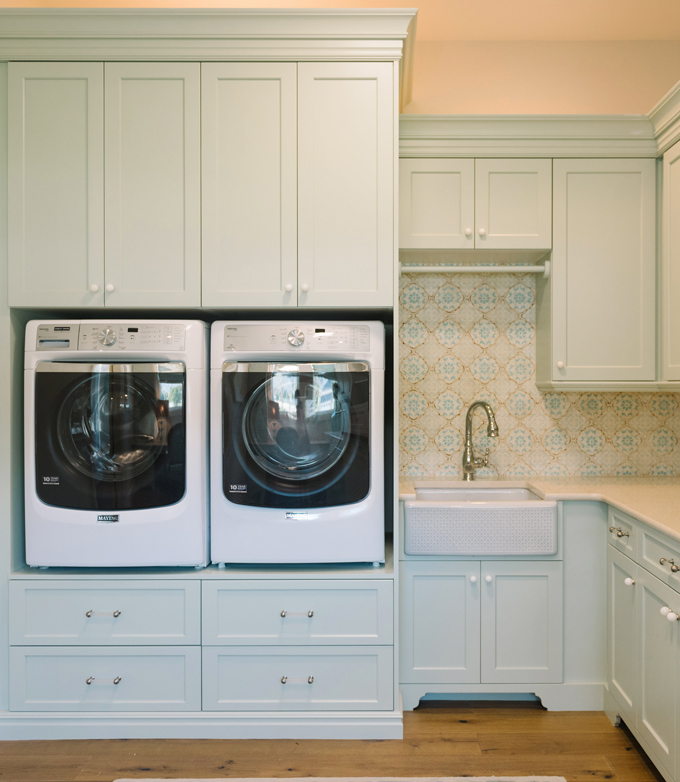Laundry Cabinets - Hollingsworth Green HC-141 Main Floor Laundry