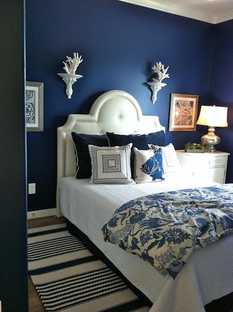 navy blue room