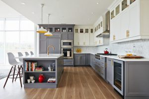 traditional kitchen two tone cabinet inspiration