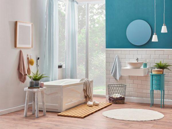 Bathroom painted turquoise Hirshfield's