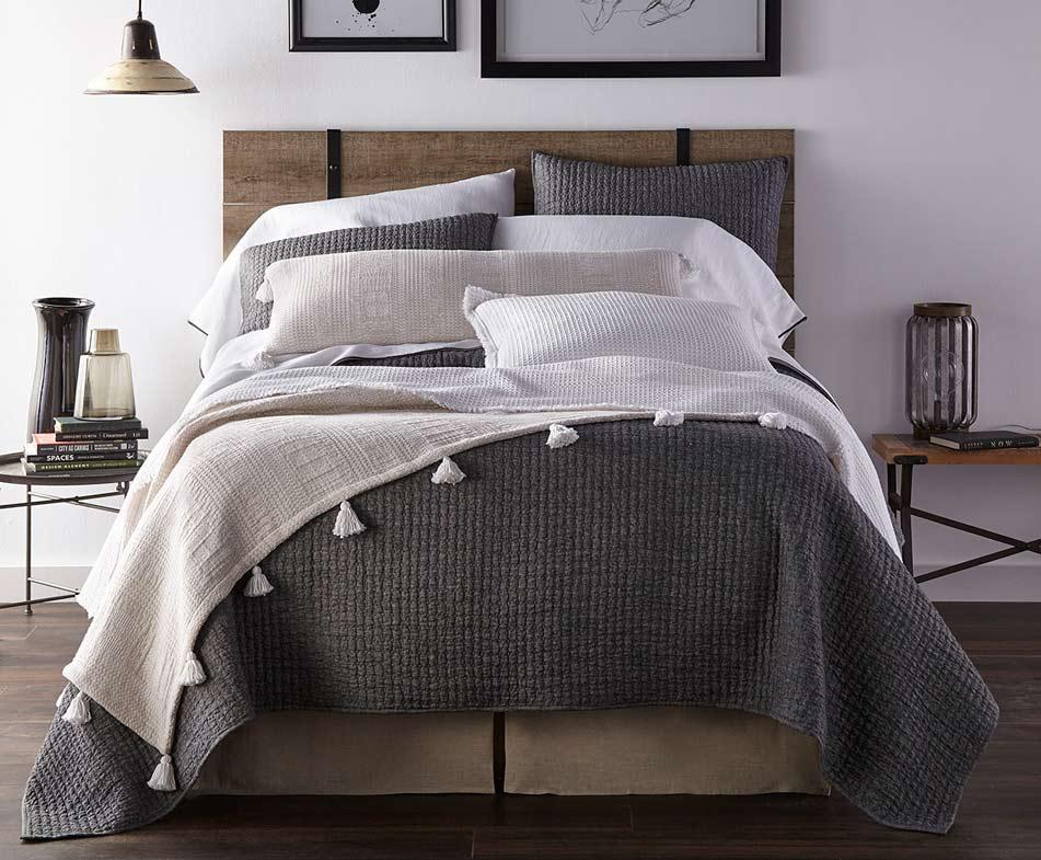 Amity-Tipton-Bed-sm