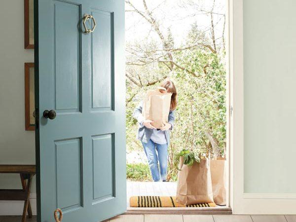 FRONT DOOR: Aegean Teal 2136-40, Aura® Grand Entrance®, Satin WALLS: Gray Cashmere 2138-60, Aura®, Eggshell TRIM: Atrium White OC-145, Aura, Semi-Gloss.